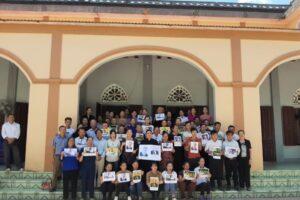 Les familles des prisonniers de conscience au Vietnam honorent la mémoire de leurs ami(e)s suisses disparus